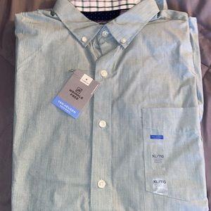 Brand new long sleeve men's dress shirt